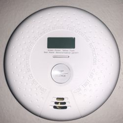 X- Sense SC01 10 Year Battery Smoke and Carbon Monoxide Detector with Display and Alarm review