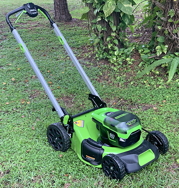 Greenworks Pro 60V Cordless 21″ Self-Propelled Brushless Lawn Mower W/ 5.0 AH Battery review – Say goodbye to gas